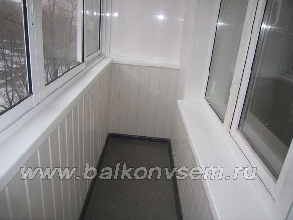 обшивка пластиковой вагонкой балкона